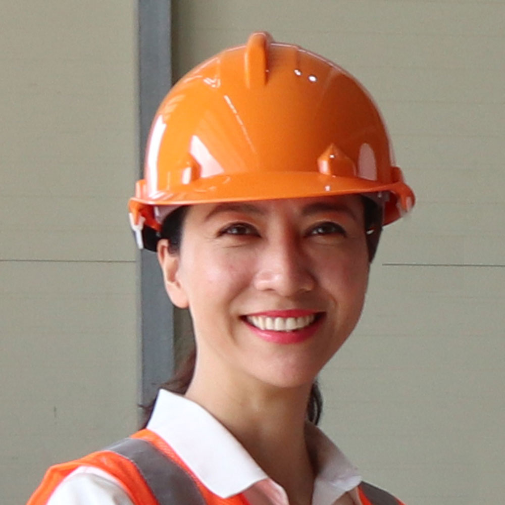 General manager Ms Thanh